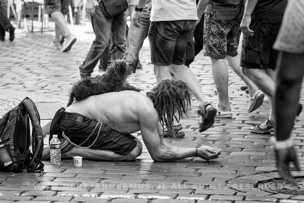straatfotografie bedelaar zwerver Praag