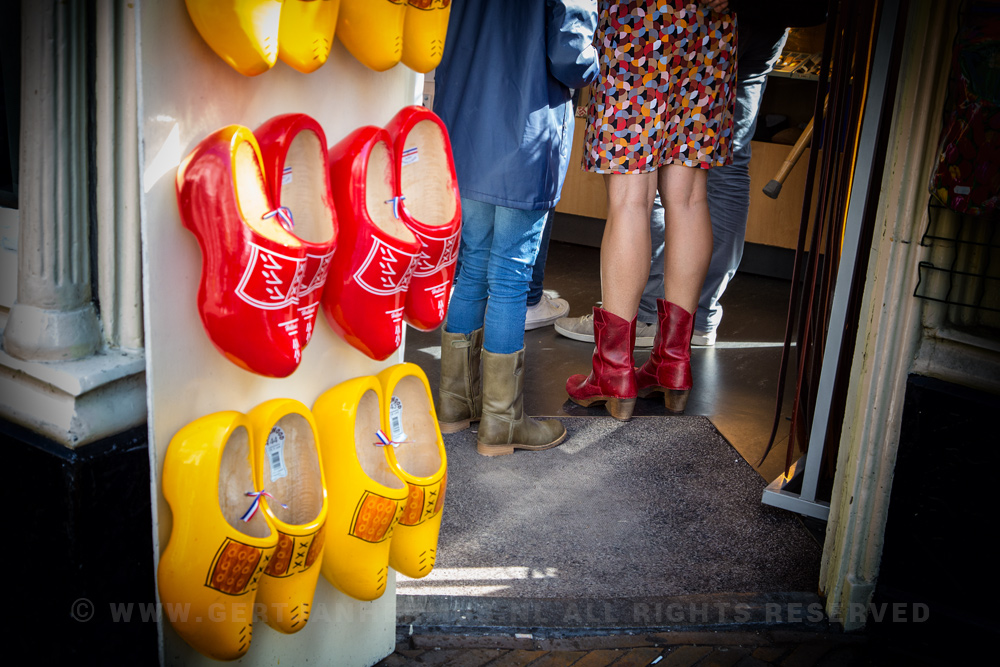 klompen - wooden shoes