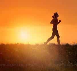 zonsondergang silhouet vrouw