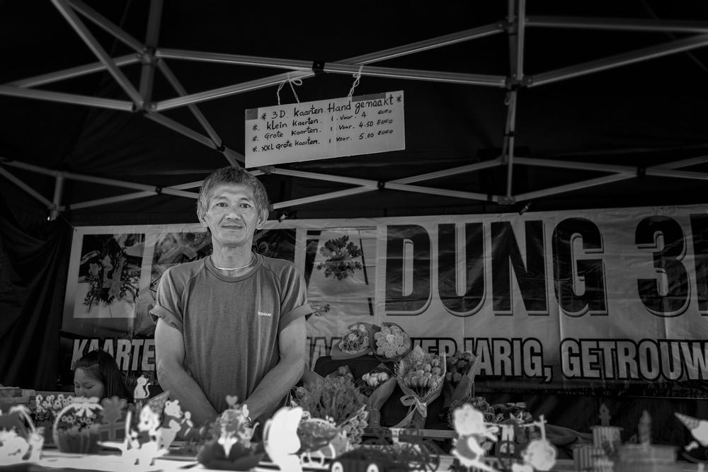 straatfoto Leeuwarden marktkraam