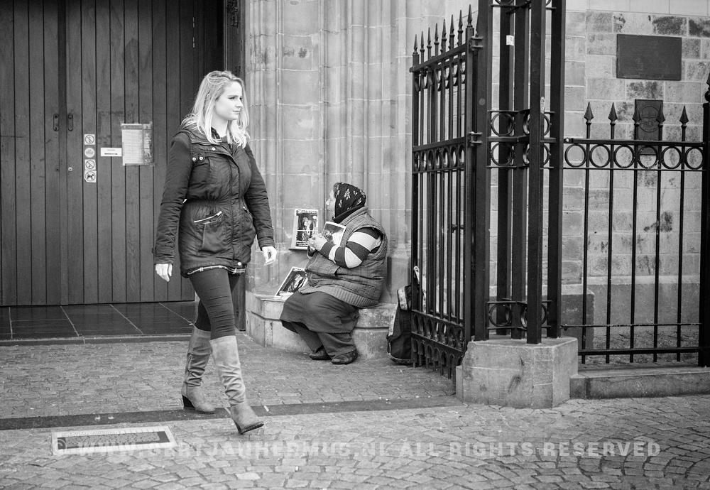 straatfoto bedelaarster