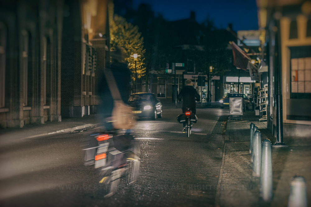 straatfoto in de avond